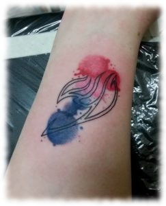 Watercolor Tattoo am Handgelenk.