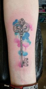 Schlüsseltattoo mit Watercolor.